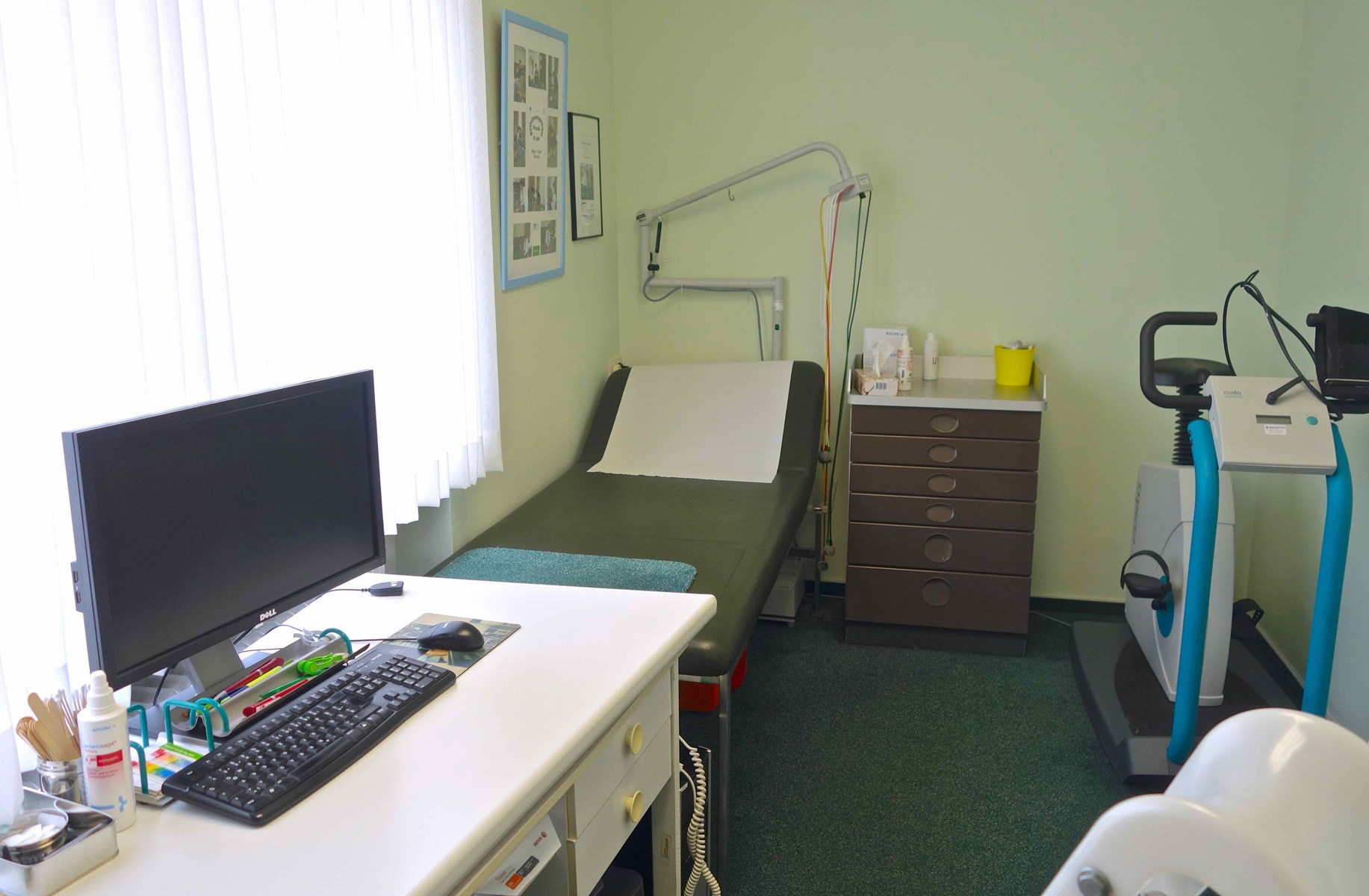 landarztb rse arztpraxis kaufen und verkaufen objekt g nstige praxisabgabe gro e. Black Bedroom Furniture Sets. Home Design Ideas